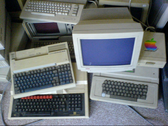 STOCK: old computers
